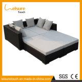 Insieme di menzogne del sofà della base del giardino di modo della mobilia del rattan della presidenza esterna multifunzionale del Lounger