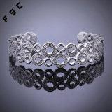 Zilver van het Ontwerp van de mode plateerde het Eenvoudige Holle Uitgesneden Armband