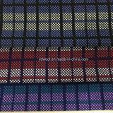 Poco controla la tela de las lanas para saber si hay sobretodo