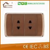 Faible prix 110V-250V 3Pole Socket