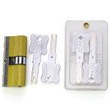 Cilindro de cobre amarillo del bloqueo de la lámina de la mortaja del C-Nivel con la perforación y alzaprimar resistentes