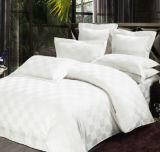 Drievoudig Textiel Katoenen van 100% Beddegoed Van uitstekende kwaliteit die voor de Reeks van het Beddegoed van de Dekking van het Dekbed van het Dekbed van het Hotel wordt geplaatst