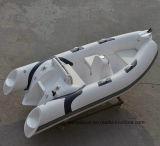 Liya 3.3 3.8mの中央コンソールの肋骨のボートの膨脹可能なモーターボート