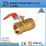 Media del petróleo y vávula de bola de cobre amarillo de la presión de la presión inferior 3/4 pulgada