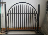 工場錬鉄の装飾的な庭のアーチの塀のゲート