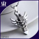 날개를 가진 Op483 3 심혼 까만 교차하는 펜던트