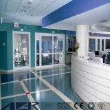 熱い販売の抗菌性の防水紫外線コーティングの病院PVCビニールのフロアーリング
