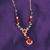 Monili rossi dell'imitazione di modo del costume della lega della collana del fiore