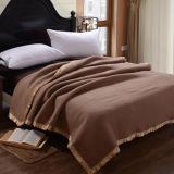 柔らかく快適な100%のアクリル毛布