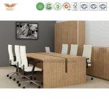 Modernes Büro-große Schnittvorstandssitzung-Tisch-Konferenzsaal-Tische