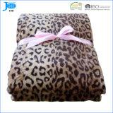 Одеяло 100% ватки фланели конструкции полиэфира супер мягким напечатанное леопардом