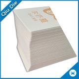Напечатанный Hangtag белой бумаги логоса изготовленный на заказ с Upc
