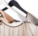 Cintre en bois d'épaule plate de bonne qualité avec le crochet de Matel