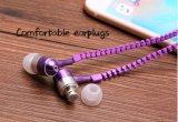 Micが付いている安い価格のジッパーカラーSteeroの耳のイヤホーン