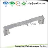 Alliage en aluminium de haute qualité personnalisés 6063 Profil d'Extrusion pour dissipateur thermique de l'audio de voiture