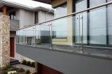 ベランダの手すりのための高いQuanlity台地の柵デザイン