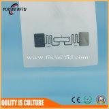 Papiermarke der Hochleistungs- UHFfrequenz-865MHz -968MHz RFID und machte Einlegearbeit naß