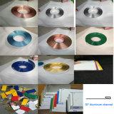 Hoja de aluminio aplicada con brocha para hacer cartas de la señalización 3D