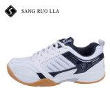 スポーツの靴は、女性のための新しく多彩で特別なデザイン卓球の靴および人、スポーツシューズの工場製造する
