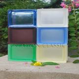 Кирпичные/угол кирпича и стекла из кирпича и стекла блок /в правом верхнем углу стекла и стеклянной стеной
