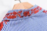 Голубые и белые нашивки, красная вышивка, Long-Sleeved кофточка