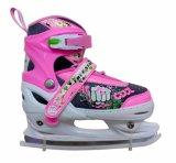 自由なスケートで滑るインラインスケート