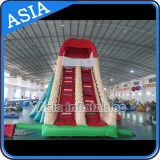 Parque inflable del agua con la piscina y la diapositiva, parque vivo inflable del agua