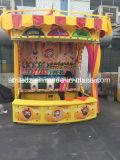 Cabina del carnaval de los juegos del parque de atracciones del compartimiento de la leche