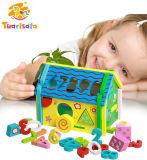 나무로 되는 장난감을 배우는 수와 모양 일치