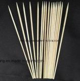 Pinchos de bambú de la flor en materiales