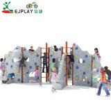 Crianças com parede de escalada no exterior de plástico titulares