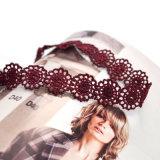 Duas cores artesanal Gótico rendas de croché Flower Amaldiçoada Colar