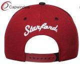 3D вышивка Snapback Red Hat с помощью настраиваемых логотипов