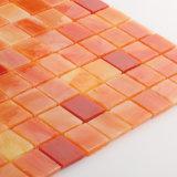 現代デザイン台所Backsplashのための虹色のステンドグラスのタイルのモザイク