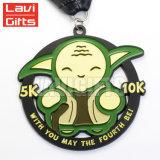 Creative New Design personnalisé de promotion Module de finition en métal personnalisée exécutant Marathon Décapsuleur médaille avec ruban