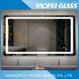 Cuarto de baño moderno con Fogless espejo LED