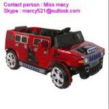 Езда младенца Хаммера на игрушках двери отверстия автомобиля
