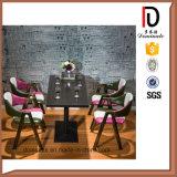 最新の普及した現代一義的なデザイン鉄の食堂の椅子