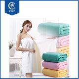 純粋な綿の浴室タオルの吸収性の明白な着色された人および女性