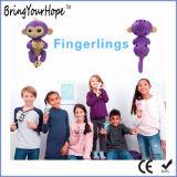 対話型指は幸せなFingerlingsがまねるおもちゃをからかう(XH-FL-001)