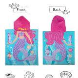 女の子のための100%年の綿の反応印刷された子供のフード付きの浴室タオル