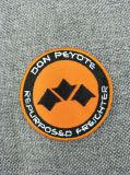Ferro personalizado na correção de programa feita sob encomenda do bordado do logotipo para a roupa