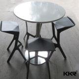 現代白い円形の固体表面の石造りの上のコーヒーダイニングテーブル