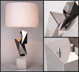 ホテルの使用の芸術の装飾のステンレス鋼の卓上スタンド(TL3106-GD)