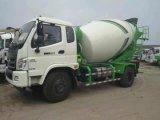 Vrachtwagen van de Concrete Mixer van de Vervoerders van het Cement van de Motor van Eaton van Foton 4X2 6m3 de Hydraulische Bulk