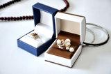 Cadre de papier en plastique de velours en cuir de qualité et de luxe pour les boutons de manchette de boucles d'oreille de boucle de mariage argenté d'or de bijou (Ys331)