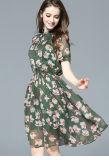 Коротким платье шкафута пригонки завода втулок напечатанное цветком шифоновое
