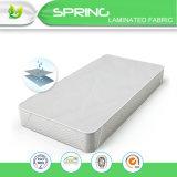 ベッドのマットレスパッドカバーまぐさ桶のサイズの静かにキルトにされる白いEncasementの枕上の上層