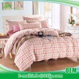ピンクのアパートのヤーンによって染められる昇進の綿の慰める人の寝具