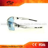 最もよいセリウムの銀フレーム循環する青い正方形レンズのスポーツのサングラスの近視フレームの挿入Eyewearを運転する